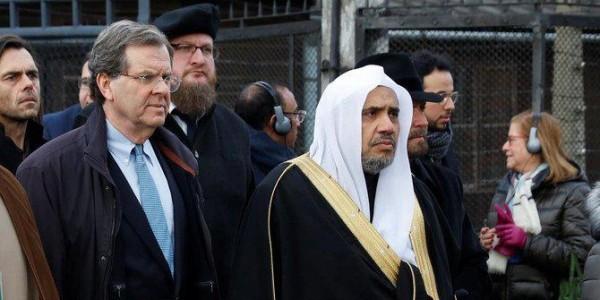 Sekretarz Generalny Światowej Ligi Muzułmańskiej dr Mohammad bin Abdul Karim Al-Issa odwiedził 23 stycznia Miejsce Pamięci i Muzeum Auschwitz w związku ze zbliżającą się 75. rocznicą wyzwolen