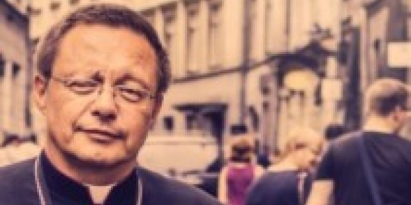 """Abp Grzegorz Ryś, """"W Kościele jest miejsce dla wszystkich"""", Wydawnictwo WAM, Kraków 2020  fragment okładki"""