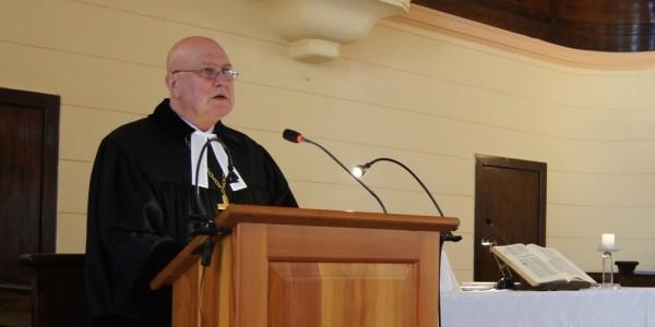 Ks. bp Marek Izdebski w kościele ewangelicko-reformowanym w Łodzi (fot. Michał Karski)