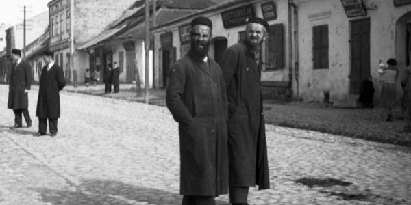 Żydzi ze Słomnik (ok. 1918-1933). Fot. Koncern Ilustrowany Kurier Codzienny / NAC