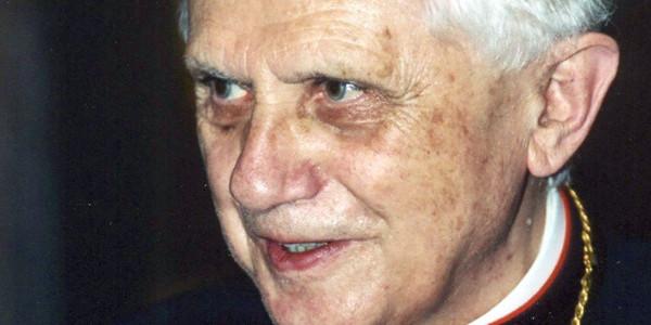 Kardynał Joseph Ratzinger, 2001 r. Fot. Manfredo Ferrari / Wikipedia