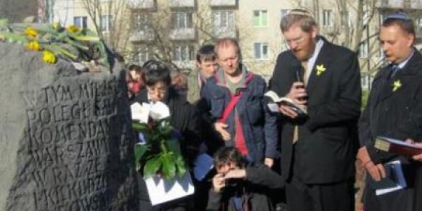 Marsz Modlitwy Szlakiem Pomników Getta Warszawskiego