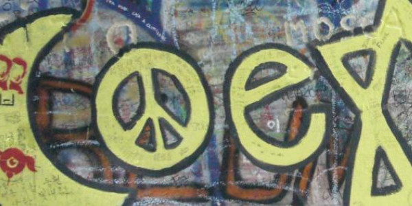 fot. Davie Green, Coexist, creativecommons.org/licenses/by-nc-nd/2.0/ - fragment